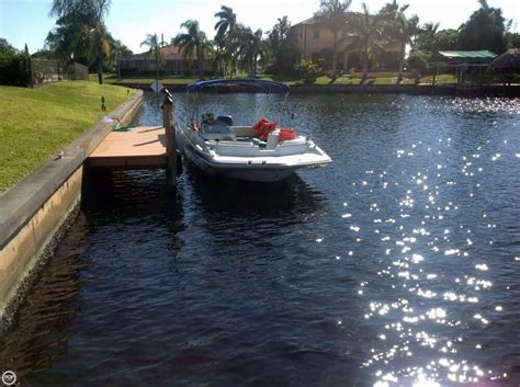 used fan boat for sale 2001 used hurricane fun deck gs 201 deck boat for sale