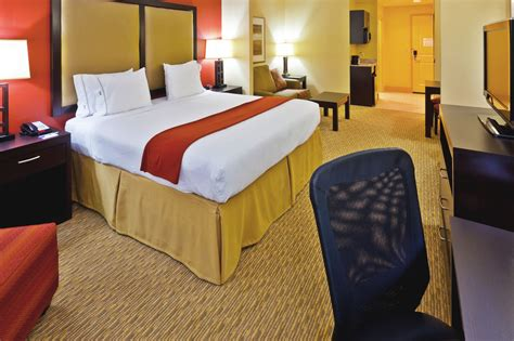 cheap rooms at opryland hotel inn express hotel and suites nashville opryland reviews photos rates ebookers