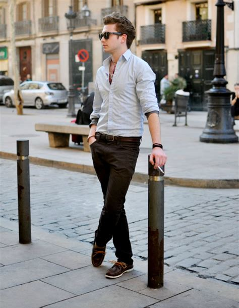 what color dress shoes does a man wear with a youtube the best boat shoes for men the idle man