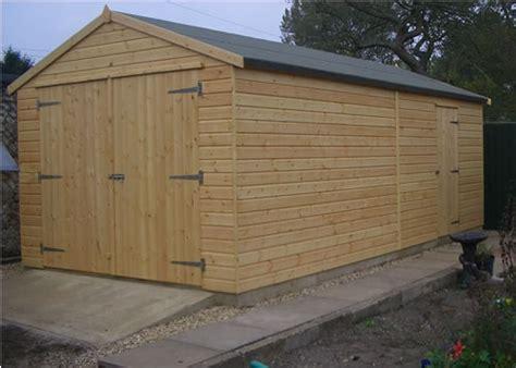 Wooden Garage by Wooden Garage