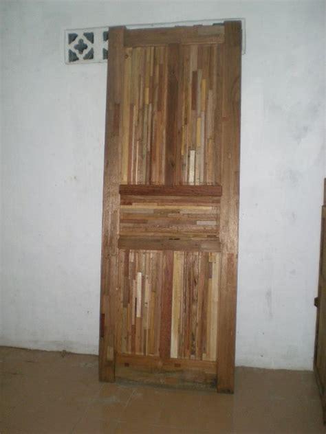 Lemari Kayu Panel perabot kayu sederhana simply wood furniture pintu