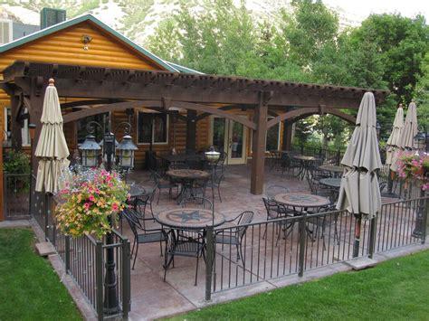 timber frame pergola historic restaurant grill al fresco timber frame