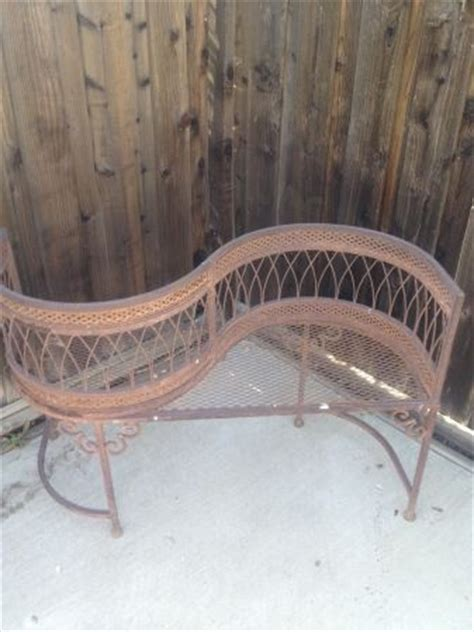 kissing bench 136 best images about benches on pinterest telephone