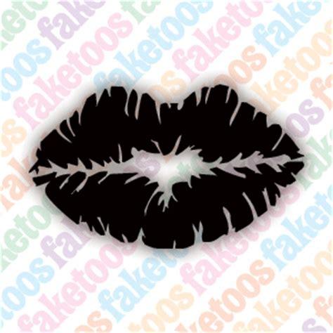 lip print tattoos lip print
