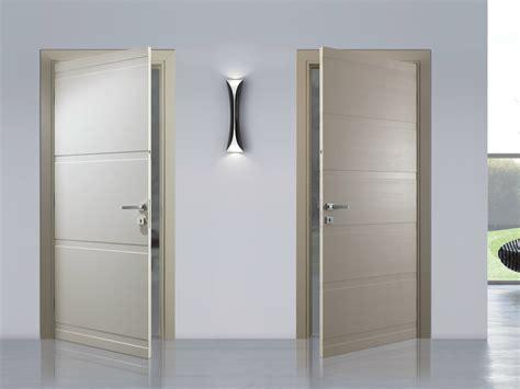 espositori per porte interne porta a battente laccata fashion bertolotto porte