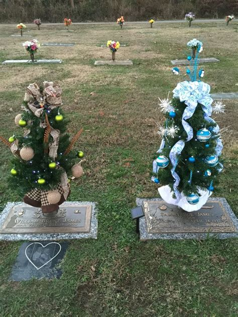 christmas 2015 cemetery decorations pinterest