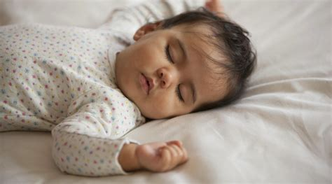 how to get your baby to sleep in crib how to get your baby to sleep through the