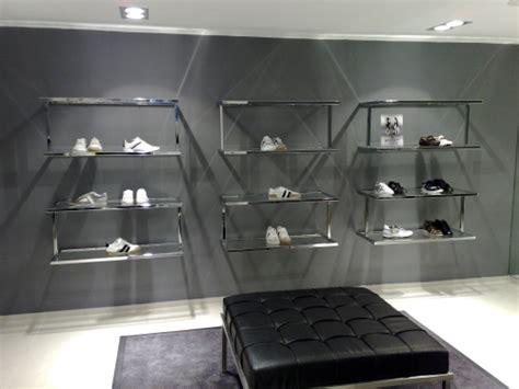 arredo negozio scarpe 0364 arredamento negozi calzature espositori