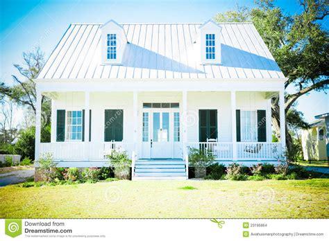 id馥 am駭agement bureau maison maison am 233 ricaine suburbaine images stock image 23195864