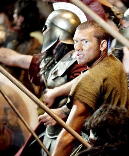 uscirà il film di god of war scontro tra titani la warner decide di far uscire il film
