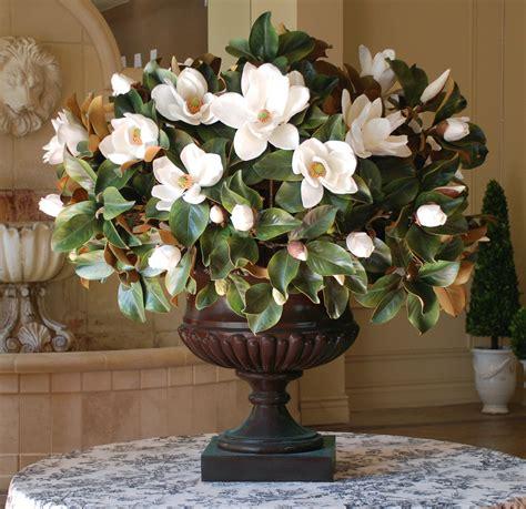 Image gallery magnolia arrangements