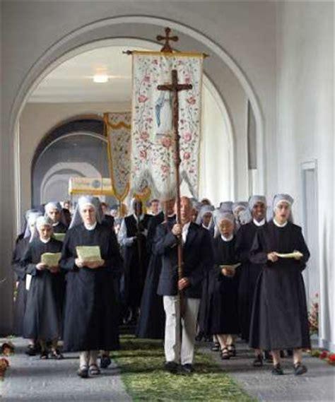 casa madre divinas vocaciones religiosas 167 hermanitas de los pobres