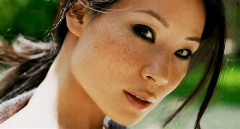 tips menghilangkan flek hitam  wajah secara alami