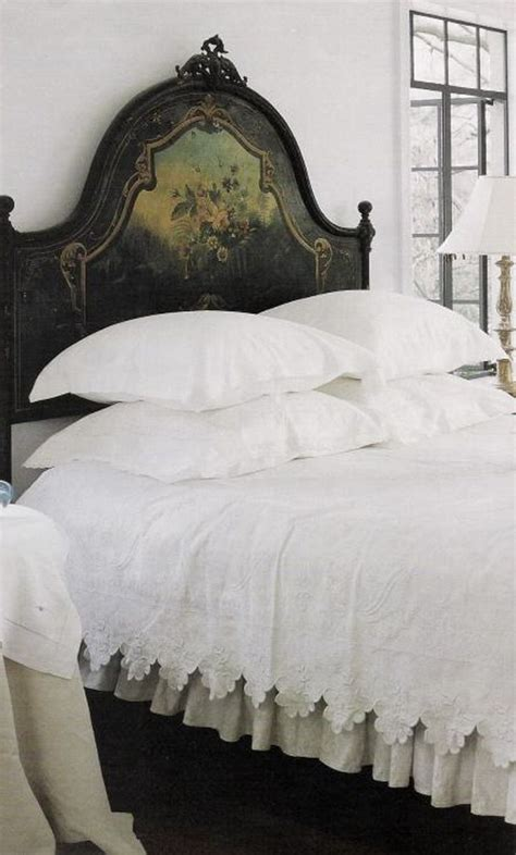 White Painted Headboard by Best 25 Antique Headboard Ideas On Bed Bench