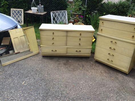 bassett furniture  dresser chest set  mirror mid