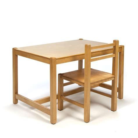 houten stoel voor kind vintage houten tafel en stoel voor kinderen retro studio