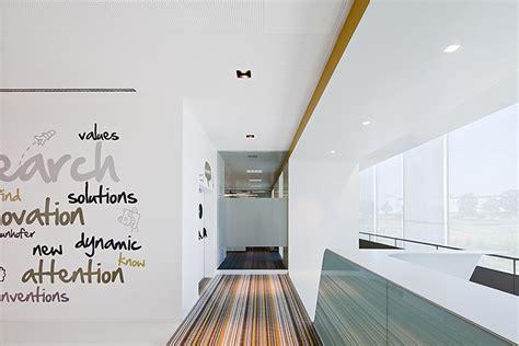 Home Decor Showrooms by Oficinas Para Trabajar Y Divertirse Por Pedra Silva