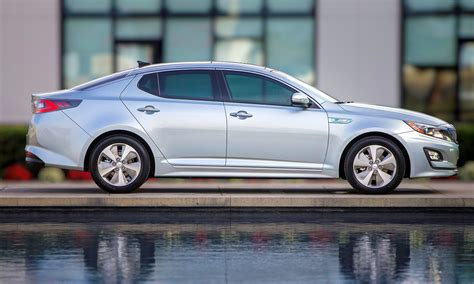 2014 kia optima hybrid updated with new grille leds front