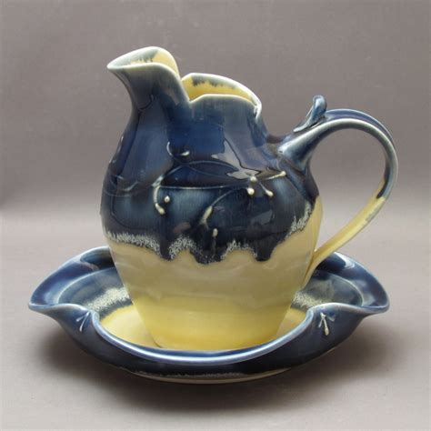 gravy boat big w 11 best images about gravy boats on pinterest gardens
