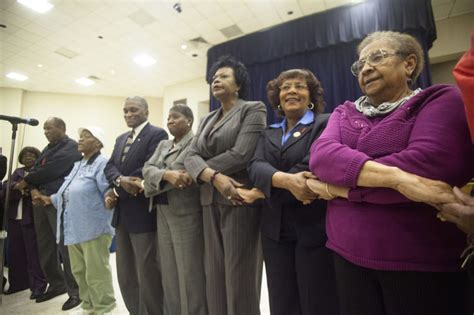 Opelika Housing Authority Section 8 by Tuskegee Mayor City Leaders Discuss Strategy To Save