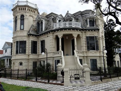 old mansions for sale cheap best 25 mansions for sale ideas on homes houses