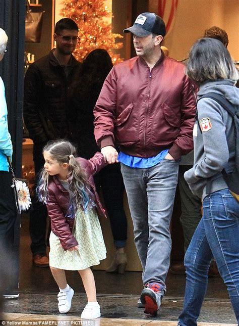 Jaket Baju Pasangan Jacket Turn Back Crima david schwimmer and cleo wear matching burgundy coats daily mail