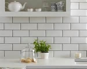 Funky Definition top 5 tips for tiling a kitchen splashback on a budget