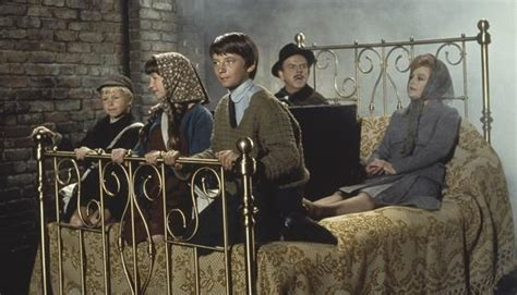 bed knobs and broomsticks classic film review bedknobs and broomsticks 1971