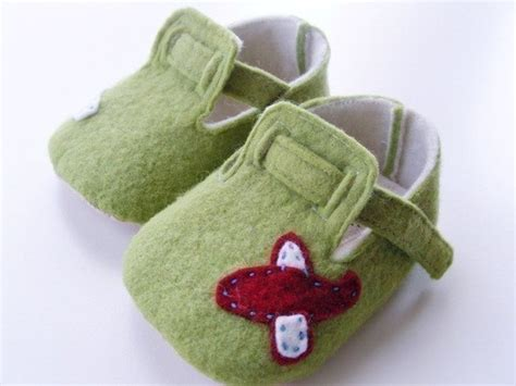 pattern for felt baby shoes felt baby shoes 171 eco felt crafts