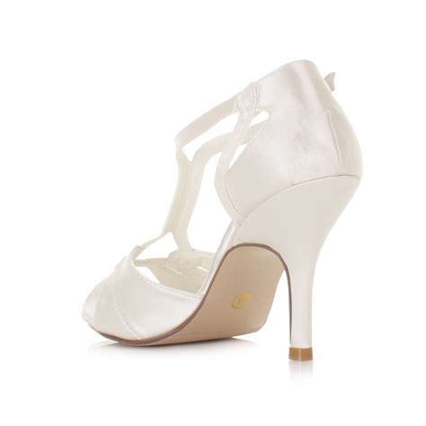 ivory strappy sandals wedding womens ivory strappy wedding satin bridal sandals