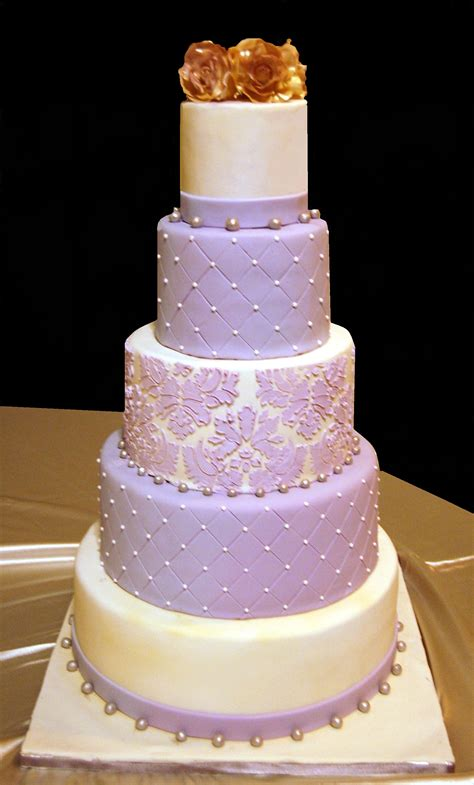 Decorator Icing Lilac And Ivory Wedding Cake Maria S Dream Cakes