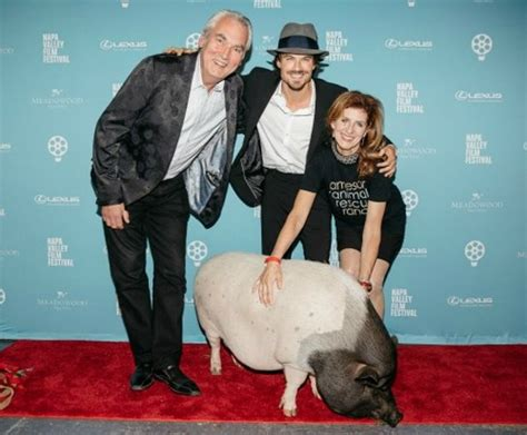 Animal Rescue Tribute by Ian Somerhalder And Reed Receive The Jarr