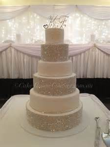 Super bling wedding cake i m not a fan of inedible bling but i know