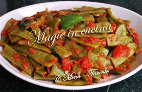 come cucinare le taccole ricetta taccole piselli mangiatutto piattoni al pomodoro