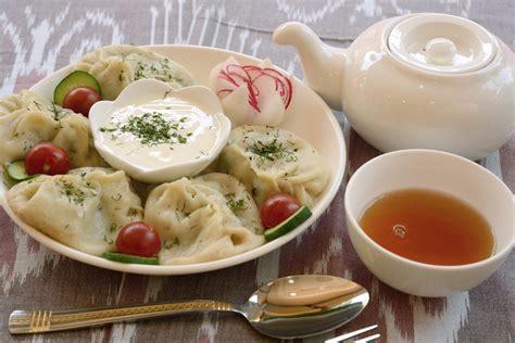 uzbek cuisine and food uzbekistan unint uzbek floury dishes samsa manti khanum and others