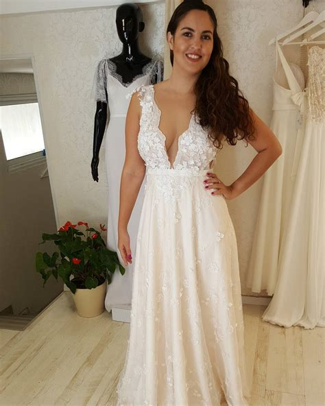 fcc deep  neck wedding gowns  curvy  size