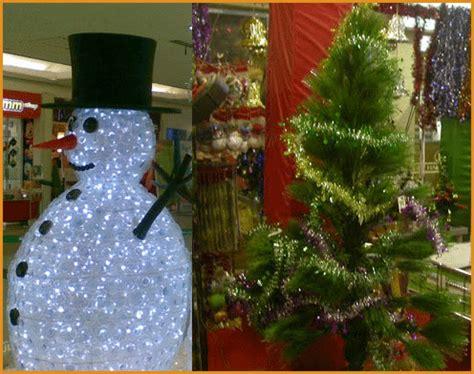film pohon natal hal hal yang biasa dijumpai saat natal dan tahun baru