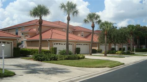 fort myers florida golf course condos gated