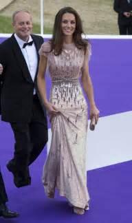 kate middleton dresses dresses for kate middleton spend usd 519 million