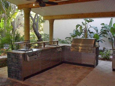 Ideas For Outdoor Kitchens by Outdoor Kitchen Ideas For Small Space Homes Gallery