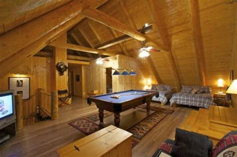 watershed luxury log home rentals the 25 best log cabin rentals ideas on