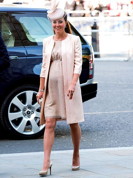 princess kate pregnant pregnant kate middleton looks adorable in pink outfit with
