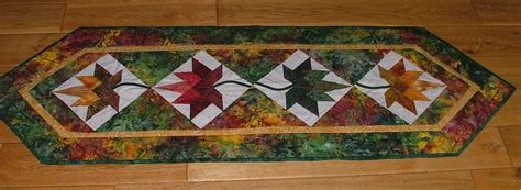 leaf pattern table runner maple leaf table runner portsmouth fabric co