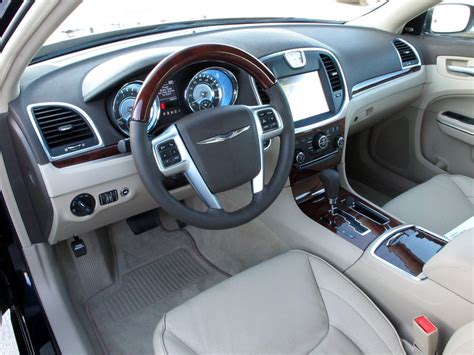chrysler 300c interior chrysler 300c 2014 interior www imgkid the image