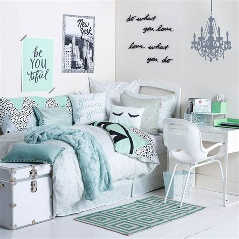 teenage girl bedroom accessories 17 best ideas about teen room decor on pinterest teen