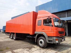 Besi Derek Jeep delivery truck