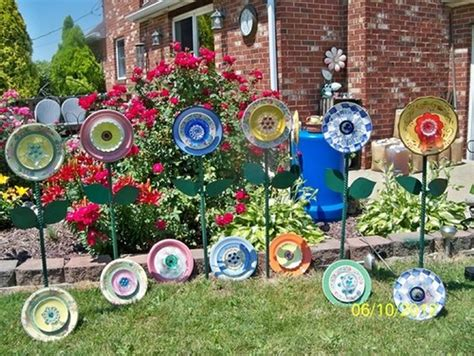 garden plate flowers upcycle