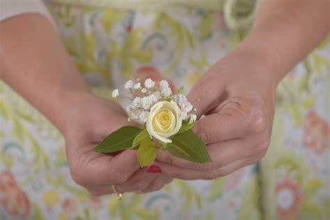fiori all occhiello fai da te con fiori fiore all occhiello floraqueen