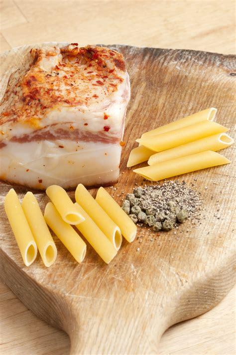 cucina romana pasta alla gricia la pasta alla gricia un istituzione della cucina romana