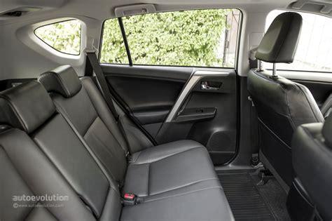 Toyota Rav4 Seating 2014 Toyota Rav4 Tested By Autoevolution Autoevolution